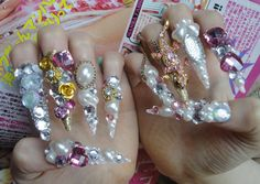 Pink Queen Hime Kawaii 3D Deco Bling Gyaru Lolita by Lhouraii> Holy crap what is that!?! Why!?!