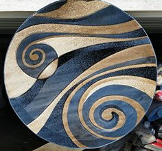 Modern Round Area Rug complete with a Beige, Brown, and Blue Sculpture Design. Round Area Rugs, Modern Area Rugs, Contemporary Area Rugs, Blue Area Rugs, Ceramic Painting, Painting On Wood, Modern Doormats, African Art Paintings, Pottery Painting Designs
