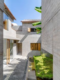 Gallery of Sunyata Hotel in Dali Old Town / Zhaoyang Architects - 3