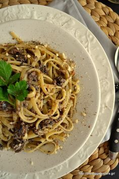 Pasta with mushroom minced meat! Vegan deliciousness!