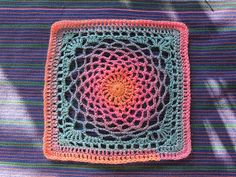 Dream Catcher Crochet Motif - lovely colour combinations but also looks good in one solid colour. Free instructions.