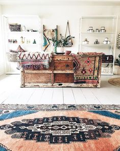Rugs, textiles, bookshelves