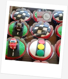 """Cupcakes """"Os Carros"""""""