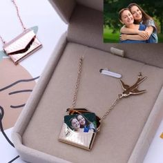 US$ 27.99 - Custom Photo Engraved Handbag Necklace - m.sheinv.com Homemade Gifts For Boyfriend, Boyfriend Gifts, Cute Necklaces For Girlfriend, Cute Gifts For Girlfriend, Cute Jewelry, Jewelry Gifts, Cool Gifts For Women, Unique Gifts, Best Gifts