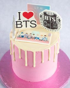 Birthday Cake Crown, Bithday Cake, Bts Cake, Army Cake, Victoria Cakes, Bts Birthdays, Cake Servings, Drip Cakes, Cute Cakes