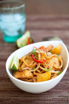 Veggie Mee Goreng (Fried Noodles) - Made with only vegetables and vegan ingredients. Easy veggie fried noodles recipe with ketchup, soy sauce, and lime. Noodle Recipes, Beef Recipes, Vegan Recipes, Cooking Recipes, Meatless Recipes, Pescatarian Recipes, Savoury Recipes, Cooking Tips, Recipies
