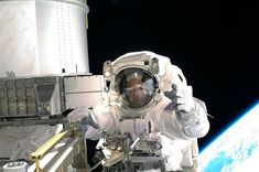 Astronaut Ricky Arnold is shown on his first spacewalk as a crewmember on STS-119. The blackness of space and Earth's horizon provide the backdrop for the scene.⠀ . . . .⠀⠀⠀⠀⠀⠀⠀⠀⠀⠀⠀⠀⠀⠀ Credits NASA ©, @spacecraftengineer⠀⠀⠀⠀⠀⠀ . . . . #space #nasa #esa #spaceship #spacex #spaceart #universe #astronomy #galaxy #physics #science #astronaut #technology #engineering #stem #engineeringlife #astrophysics #love #photooftheday #art #instadaily #instagood #beautiful #explore Planet Video, Photo Voyage, Galaxy Photos, Space Launch, Nasa Missions, Nasa Images, Space Photography, International Space Station, Space Photos
