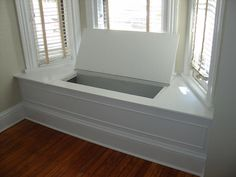 A home may not always be complete without a bay window seat. Whether it is a house or an apartment, you can have at least one. Make sure that these bay window seats are suitable for the whole conce… Bay Window Storage, Bay Window Benches, Window Seat Cushions, Window Seats, Storage Bench Seating, Bench With Storage, Hidden Storage, Extra Storage, Window Seat Kitchen