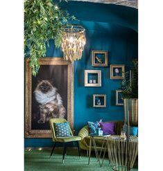 Detail interiéru s veľkým obrazom ragdoll mačky v ...   DOMA.SK Glamour, Rugs, Detail, Home Decor, Farmhouse Rugs, Decoration Home, Room Decor, The Shining, Home Interior Design
