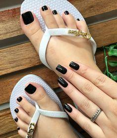 Sobre amar um pretinho básico . #BoaTarde #Nails #decorada