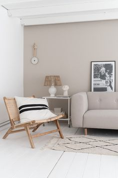 By SIDDE - ELLE INTERIEUR Wall Decor, Room Decor, Minimalist Interior, Decoration, Decor Interior Design, House Colors, House Design, Living Room, Inspiration
