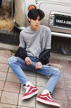 """""""With love, everything becomes beautiful; with hatred, everything turns ugly. Korean Fashion Men, Korean Street Fashion, Mens Fashion, Pretty Boys, Cute Boys, Videos Kawaii, Bad Boy, Best Photo Poses, Asian Men Hairstyle"""