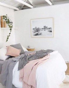 Bedroom Exquisite Purple Ideas Black And Room Rooms Kids Grey Dusty Pink Gallery Of Inspirations Blue Trends Delightful L smallbedroomideasforcouples Pink And Grey Room, Pink Gray Bedroom, Rose Bedroom, Pastel Bedroom, Pink Bedroom Decor, Pink Room, Small Room Bedroom, Trendy Bedroom, Bedroom Colors