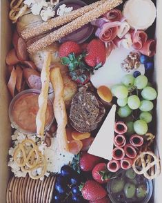 Our Medium Grazing box is up for grabs in our First Birthday Give Away!  #thatgrazinglife #grazingbox #grazingboxes #grazingboxesmelbourne