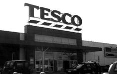 Tesco Apologizes After Muslim Employee Refuses To Serve Ham and Wine