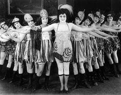 Chorus Girls Cabaret, 1923. Image credit: Vintage Vaudeville & Burlesque Images