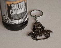 Darth Vader Bottle Opener Keychain, Millennium Opener Star Wars: 6 cm x cm//Star wars Darth Vader Metal Bar Cap Beer Bottle Opener! Nice Darth Vader gift for star wars fans! Great design and it works perfectly. Beer Bottle Opener, Bottle Openers, Bottle Opener Keychain, Star Wars Gifts, Metal Bar, Beer Lovers, Bride Gifts, Wines, Gifts For Him