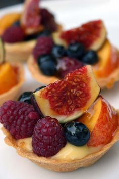 Petits fours fruit tartlet