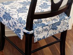 More chair covers. Bedroom Furniture Sets, Furniture Upholstery, Diy Furniture, Furniture Design, Bedroom Sets, Modern Furniture, Dining Chair Seat Covers, Dining Chair Slipcovers, Chair Cushion Covers