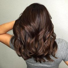 Nothing will cure your winter blues quite like a new hair color. These hair colors are perfect for winter and we are obsessed with these trendy colors! The Hair Colors We Are Obsessed With For Winter 2019 haircare haircolor 541487555200783368 Brown Hair Cuts, Brown Hair Shades, Brown Hair With Blonde Highlights, Light Brown Hair, Hair Highlights, Dyed Hair Brown, Blue Brown Hair, Black Hair, Brown Brown