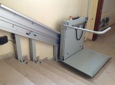 Türkiye'nin üreten, üretirken gelişen ve büyüyen markası AKE, ileri teknoloji ürünü asansör, yürüyen merdiven ve engelli sistemlerini ülkemizin dört bir yanıyla paylaşmaya devam ediyor. Bunun son örneği Sivas İl Özel İdaresi. AKE, Sivas İl Özel İdaresi için ürettiği Engelli Asansörünün montaj ve kurulumunu tamamladı. Uzman Türk mühendis ve teknik personel tarafından üretilen Engelli Platformunun montajını yine AKE'nin profesyonel teknik kadroları gerçekleştirdi. AKE, ihtiyaç