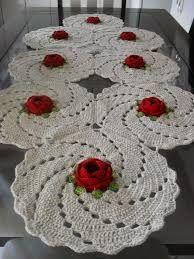 Resultado de imagem para caminhos de mesa de croche