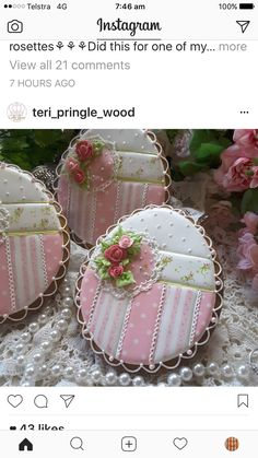 Gorgeous lace and rose cookies Lace Cookies, Flower Cookies, Easter Cookies, Royal Icing Cookies, Cupcake Cookies, Cupcakes, Easter Biscuits, Cookies Et Biscuits, Cake Decorating Supplies