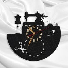 Sewing Salon Clock BIG Wood Non-ticking, Tailor Gift, Tailoring, LARGE Wall Art Decor - decorationdiyroom. Birthday Gifts For Husband, Girlfriend Birthday, Gifts For Mom, Girlfriend Gift, Dad Valentine, Deco Luminaire, Wood Clocks, Sewing Rooms, Boyfriend Gifts