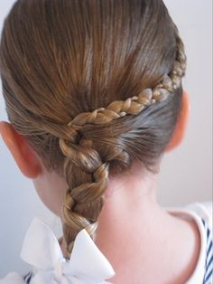 http://www.babesinhairland.com/2009/09/uneven-accent-braid-into-uneven-side.html