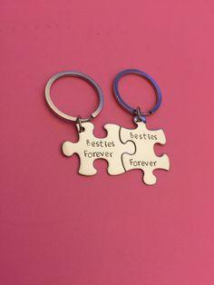Besties forever, best friend gift, bestie gift, besties keychains, puzzle piece keychain set, friendship gift, gift for her