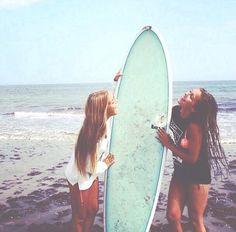 brunette, beach, summer, bestfriends, adventure, blonde, springbreak, waves,