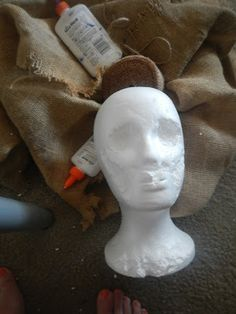 Ghost Hunting Theories: How To Make a Cheap and Scary Scarecrow Head Scary Scarecrow Costume, Scarecrow Halloween Makeup, Scarecrow Mask, Halloween Costumes Scarecrow, Make A Scarecrow, Scary Halloween Decorations, Cheap Halloween, Halloween Haunted Houses, Halloween Masks