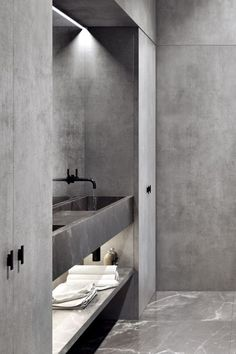 D Design blog | daily inspiration at droikaengelen.com : Bathroom by ROLIES + DUBOIS #grey #bathroom