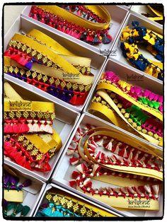 Saree Tassels Designs, Saree Kuchu Designs, Silk Saree Blouse Designs, Cotton Saree, Silk Sarees, Paris Fashion, Women's Fashion, Indian Gowns Dresses, Embroidered Blouse