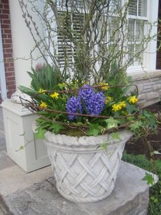 Like this design for a spring planter.
