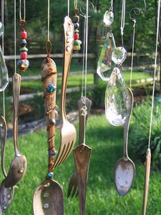 DIY Silverware Wind Chimes - unique, easy and beautiful DIY wind chimes that you can create easily!