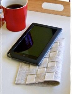 Woven felt tablet case - link has a great PDF w/ this and some other super cute felt tutorials