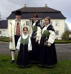 www.moss-avis.no nyheter nyheter halvparten-av-norske-kvinner-feirer-nasjonaldagen-i-bunad s 2-2.2643-1.5262839