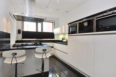 Moderne keuken hoogglans wit
