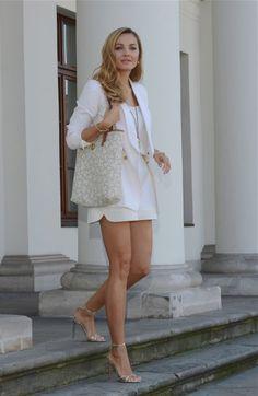 malgorzata socha najlepsze stylizacje - Szukaj w Google Perfect Legs, Great Legs, Nice Legs, Beautiful Legs, Beautiful Black Women, Beautiful Ladies, Fashion Heels, Skirt Fashion, Sexy Outfits