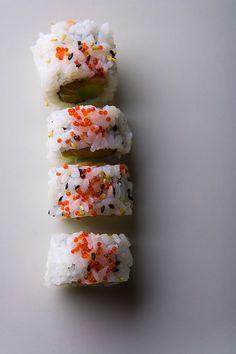 Vous aimez les makis ? Alors préparez les vous-même, avec cette recette des Maki california roll