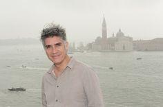 Alejandro Aravena. Image Courtesy of la Biennale di Venezia  Reporting from the Front