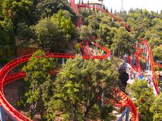 Tibidabo Amusement Park, Barcelona. Forget Disney World! Check out the Tibidabo Amusement Park in Barcelona for a fun family day out! #bringthekids #kidandcoe