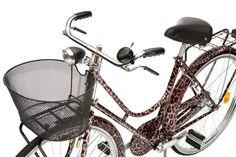 Лимитированная серия велосипедов Animalier от Dolce & Gabbana. 20 велосипедов Animalier из ограниченной серии были созданы брендом Dolce & Gabbana, чтобы продемонстрировать приверженность дизайнеров Доменико Дольче и Стефано Габбана к спортивному и здоровому образу жизни. Стильный круизер леопардового окраса собран вручную на стальной итальянской раме и имеет необычные тормозные ручки. На седле и звоночке красуется логотип Dolce & Gabbana. Некоторые детали тормоза покрыты золотом в 24…