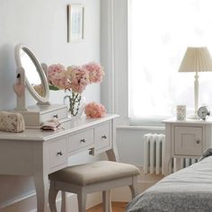 Would love a dressing table like this