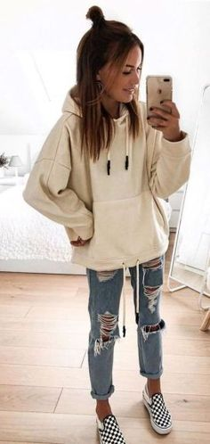 Recreate these cute casual back to school outfits for woman. cute outfits for girls, oversized hoodie   distressed boyfriend jeans   vans Style Outfits, Teen Fashion Outfits, Cute Casual Outfits, Mode Outfits, Jean Outfits, Womens Fashion, Ladies Fashion, Cute Outfits For Winter, Winter Fashion For Teen Girls