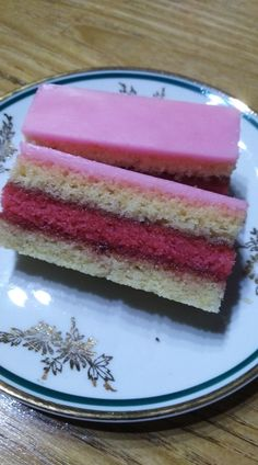 Punčove rezy.... Vanilla Cake, Punk, Desserts, Food, Tailgate Desserts, Deserts, Essen, Postres, Meals