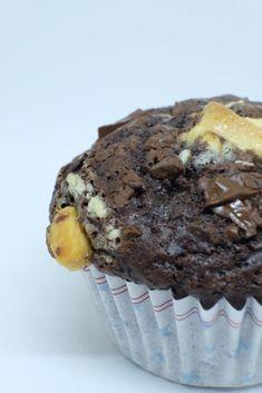 Lækre og usunde Chokolademuffins med EKSTRA chokolade på toppen. chunky chokolademuffins, opskrift, chokolade, muffins, nem, lækker, velbekomme My Little Pony, Squash, Food Porn, Sweets, Sugar, Cookies, Breakfast, Recipes, Cupcake