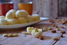 Finomliszt- és cukormentes sütemények, ételek, italok az inzulinrezisztencia-diéta elvei alapján. Sugar Free, Cereal, Cookies, Breakfast, Food, Raffaello, Biscuits, Morning Coffee, Meal