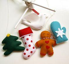 Bom dia!!! Tudo bem? Sentiram falta de post ontem? (diz que sim, vai...)  Vamos enfeitar a árvore ou espalhar o Natal pela casa?      daqui ...